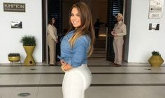Style tips for curvy women thanks to Chiquis Rivera. Who doesn't love her style?