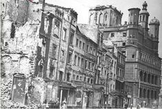 Poznań ( Poland) Stary Rynek ( Old Market) lata po bombardowaniu - forties, after the bombing Old Pictures, Old Photos, Wwii, Poland, Street View, Archie, History, Places, Vintage