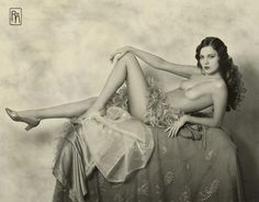 Alice Wilkie, Ziegfeld Girl, 1925 by Alfred Cheney Johnston. What a Beauty!-Old but modern pic !