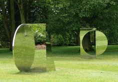Jeppe Hein, Geometric Mirrors play magic tricks with greenery and light. Outdoor Sculpture, Outdoor Art, Sculpture Art, Garden Sculpture, Metal Sculptures, Abstract Sculpture, Bronze Sculpture, Land Art, Landscape Art