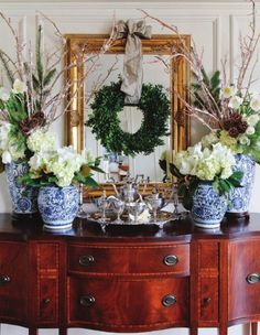 Awesome 49  Beautiful White Country Christmas Table Centerpieces Ideas. More at https://trendecor.co/2017/12/01/49-beautiful-white-country-christmas-table-centerpieces-ideas/