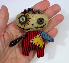 Junker Jane is a cool artist and crafter who makes one-of-a-kind dolls that are always a little more creepy than cute. The picture below i...
