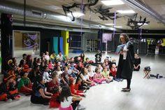 Cuentacuentos con mucho movimiento en el Multiusos Sánchez Paraíso para celebrar Halloween con niños de 2 a 12 años. 30/11/2014