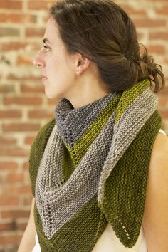 Let's knit a simple shawl – Tin Can Knits Love Knitting, Easy Knitting, Knitting For Beginners, Knitting Patterns Free, Knitting Yarn, Knit Patterns, Free Pattern, Brooklyn Tweed, Knit Or Crochet
