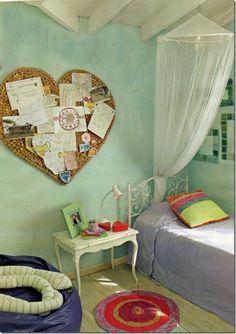 Kiddie room! Love the heart board!