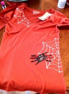 The spider is your child's hands. DIY tutorial for a cute Halloween Shirt