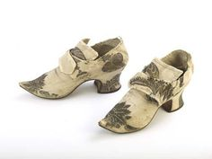 Silk taffeta shoes c1720-1730. Museum of London.