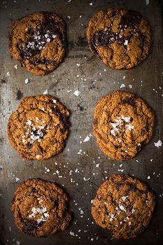 Chewy Dark Chocolate Chunk Cookies with Sea Salt. #recipes #foodporn #desserts #cookies #chocolate