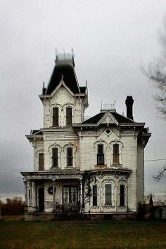 """steampunktendencies: """"""""Castle Hill"""" Ruggle, Ohio. Built in 1878 """""""