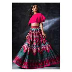 20 ideas for how to wear skirts casually crop tops Sari Blouse Designs, Choli Designs, Lehenga Designs, Indian Dresses, Indian Outfits, Choli Dress, Lehenga Choli, Indian Designer Suits, Traditional Dresses