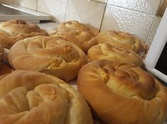 Hot Dog Buns, Food And Drink, Cooking Recipes, Bread, Breakfast, Ethnic Recipes, Gardening, Morning Coffee, Chef Recipes