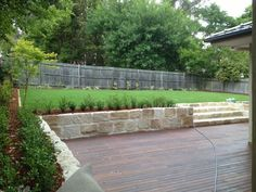 sandstone retaining wall Best Picture For Landscaping Retaining Walls wood For Your Taste You are lo Backyard Retaining Walls, Concrete Retaining Walls, Backyard Landscaping, Landscaping Ideas, Front Yard Design, Patio Design, Garden Design, Back Gardens, Outdoor Gardens