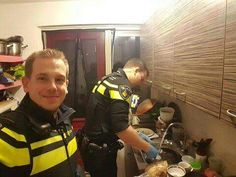 After a lady was taken to the hospital with low blood sugar, these 2 officers stayed behind to make dinner for her 5 children. And then did the dishes after. As a type 1 diabetic myself, I have tons of respect for what these guys did. Awesome job gentlemen! You are truly heroes!
