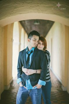 Beautiful engagement picture at Rollins College.