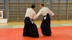 Aikidotraining in Linz mit Prof. Junichi Yoshida (6. Dan Aikikai) am 11. Oktober 2013 in der Hauptschule Auhof (Linz) mit Vereinsmitglieder der Aikidodojos in Linz, Wels und Walding.