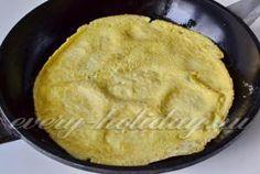 печем на сковородке три блинчика