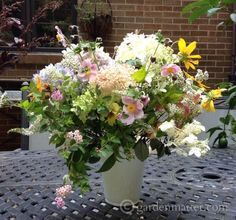 Learn how to put together 5 different yet easy arrangements with flowers from your backyard. ~ gardenmatter.com