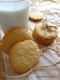 Cornbread, Camembert Cheese, Food And Drink, Cookies, Ethnic Recipes, Sweet, Diet, Clean Foods, Kuchen