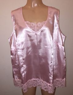 Bow On Top Pink Satin With Black Lace Top /& Bottom Size 20