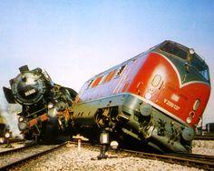 By Train, Train Set, Old Steam Train, Train Truck, Bonde, Railroad Photography, Old Trains, Rolling Stock, Model Train Layouts