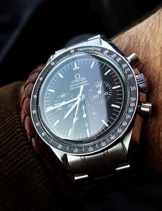 Omega speedmaster professional #moonwatch #chronograph