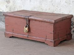 Old Painted Chest - what a great addition to your living room. Bring this gorgeous trunk into your home for practical vintage storage. Vintage Furniture For Sale, Furniture Sale, Storage Boxes, Storage Chest, Old Chest, Painted Chest, Wooden Chest, Vintage Storage, Paint Finishes