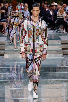 Versace   Menswear - Spring 2018   Look 35