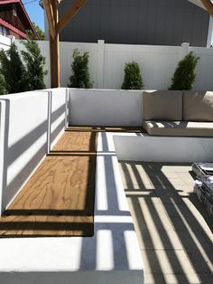 Cool Diy Outdoor Couch Ideas To Enjoy Your Relax Moment Outside The House 07 Backyard Seating, Backyard Patio Designs, Outdoor Seating Areas, Garden Seating, Backyard Projects, Pergola Patio, Backyard Landscaping, Outdoor Spaces, Backyard Waterfalls