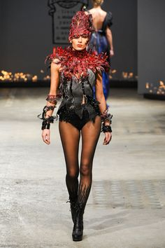 On Aura Tout Vu at Couture Spring 2012 - StyleBistro