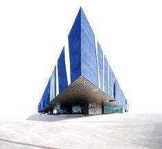 Blue Triangle by Herzog & de Meuron. Edifici Fòrum, Barcelona.