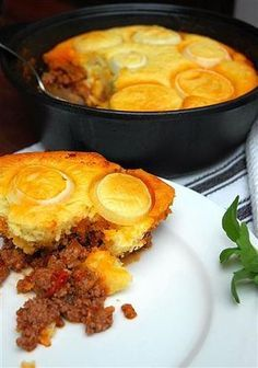 slap degie -- a topping to bake atop a stew or curry South African Dishes, South African Recipes, Kos, Easy Cooking, Cooking Recipes, Ma Baker, Mince Dishes, Mince Recipes, Light Recipes
