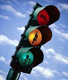 한국지엠 톡 BLOG :: 나라별로 신호등은 어떻게 다를까? - 기상천외한 신호등 모음!