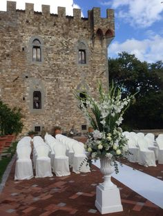 Castle white ceremony