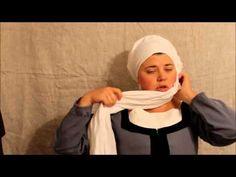 ▶ How to wear the Schleier & Bundlen, Early Modern German Veil Wraps - Wonderfully clear demonstration