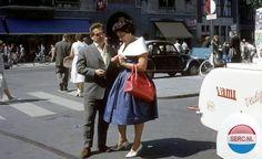 Amsterdam: Willy Alberti op het Damrak omstreeks 1968