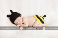 Busy Baby Bumblebee Newborn Photography Prop Crochet Pattern by SunsetCrochet