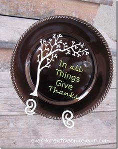 """Thankful Tree"" Thanksgiving Charger  NOTE:  This website has lots of cute ideas and tutorials."