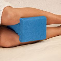 Knee Support Pillow arthritis, hip, leg knee pain - New Bursitis Hip, Back Pain Remedies, Lower Back Pain Relief, Rheumatoid Arthritis Symptoms, Surgery Recovery, Support Pillows, Knee Pain, Yoga, How To Stay Healthy