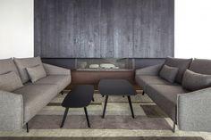 New Costura sofa, a Jon Gasca design: armchair, ottoman, sofa and sofa with chaiselongue Bureau Design, Salon Design, Sapporo, Sofa Tables, Dining Chairs, Coffee Tables, Muuto, Office Sofa, Sofa Frame