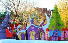 Grinch Who Stole Christmas Decorations - Bing images Christmas Float Ideas, Christmas Parade Floats, Grinch Christmas Party, Grinch Who Stole Christmas, Christmas Yard Art, Outdoor Christmas, Christmas Crafts, Grinch Decorations, Office Christmas Decorations