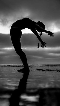 Michelle May photo by Agathe Padovani | Loved and pinned by www.downdogboutique.com.       #yoga!nspired