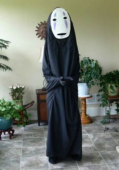 No Face | 21 Perfect Halloween Costumes For Introverts