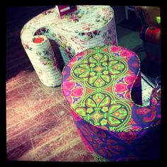 Pic of the day from Krsna's Desk - 'Beautiful floral paisley-shaped poufs'.   Isn't this a lovely piece of furniture?  (Krsna Mehta is currently working with Hardik Gandhi).