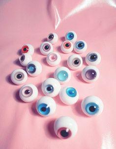 Pastel eyeballs.