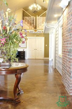 What will Kemiko acid stain and decorative concrete products look like on your floor? Check out our huge photo gallery of stained concrete floors. Concrete Color, Painting Concrete, Stained Concrete, Concrete Dye, Floor Design, House Design, Concrete Coatings, Floor Stain, Love Your Home