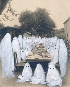 Gurun Gurun – Kon B album art by Angela Deane, 2015 photography creepy halloween photos BRUDE'S WORLD Arte Indie, Arte Obscura, Arte Horror, Grafik Design, Halloween Art, Halloween Photos, Pretty Art, Dark Art, Art Inspo
