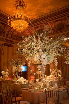 Absolutely beautiful center pieces at Plaza Hotel - These are very empowering that scream elegance & first class! #wedding #reception #elegance
