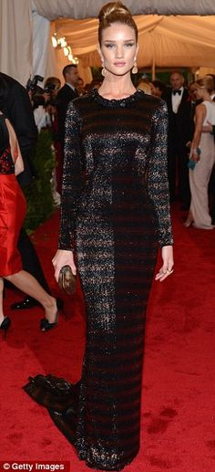 Rosie Huntington-Whiteley in Burberry @ The MET Costume Institute Gala 2012