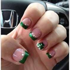 #IHeartNailArt -cute idea for st.pattys day Discover and share your nail design ideas on www.popmiss.com/nail-designs/