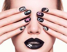 nail-art-nera-con-disegni-colorati.jpg (700×543)